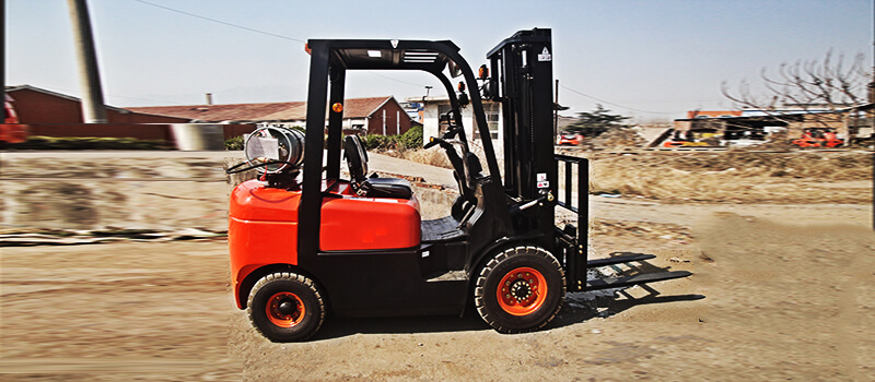 2 ton gasoline and LPG Forklift